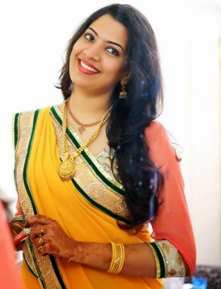 Geetha Madhuri Singer Image