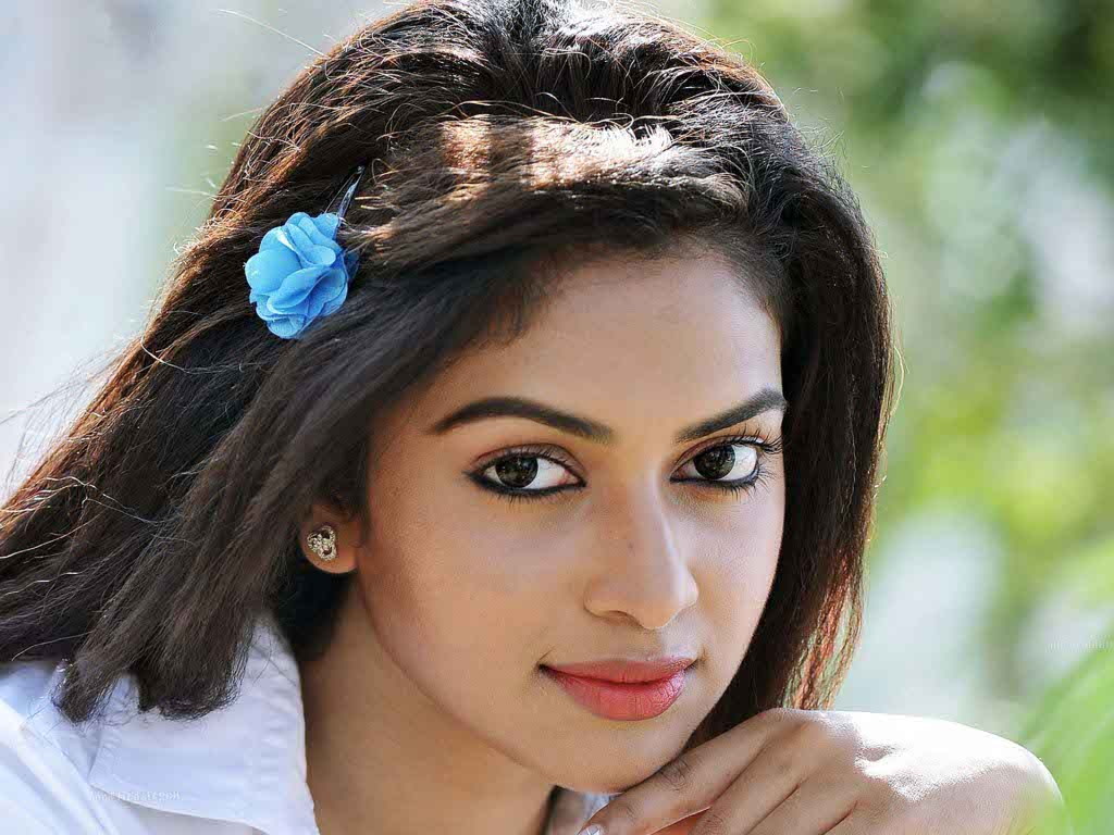 Amala Paul Nude Photos 42