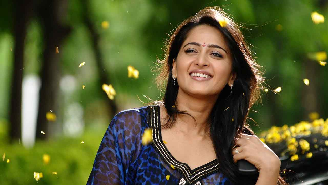 Anushka Shetty Biography: Real Name, Age, Family Profile ...