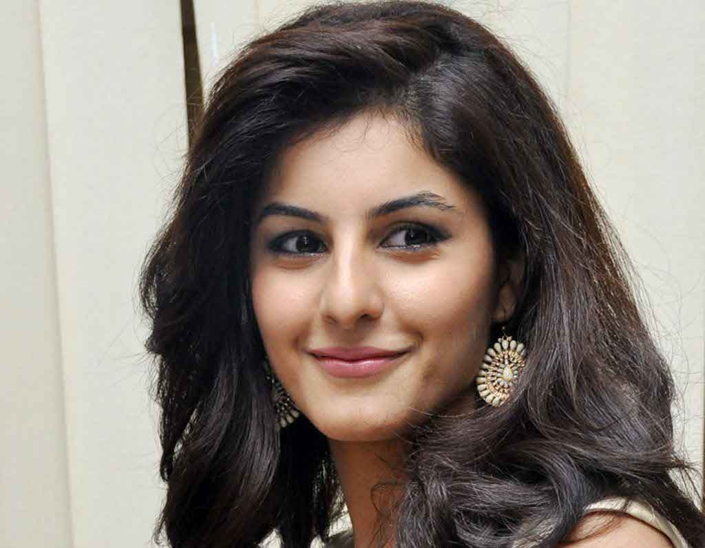 Isha Talwar Biography